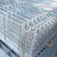 Panouri bordurate zincate pentru gard